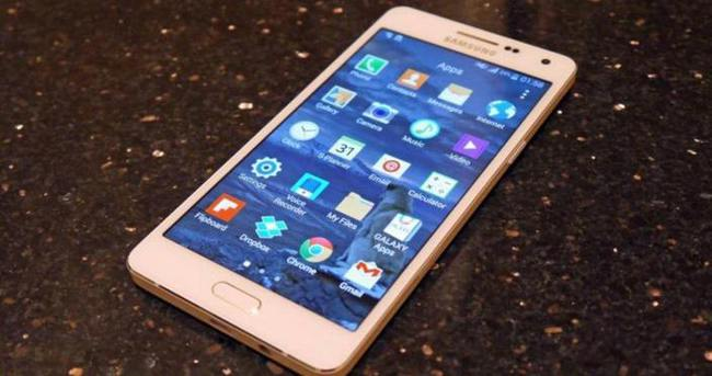 Samsung Galaxy A8 satışa sunuluyor