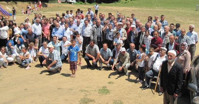 6 Bin Nüfusluk Çavuşoğlu Ve Coşkun Sülalesi Gümüşova'da Buluştu