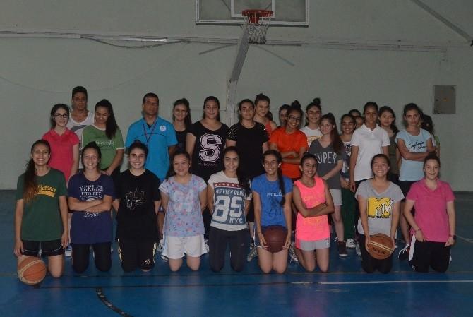 Basketbol İl Spor Merkezine 350 Öğrenci Katılıyor