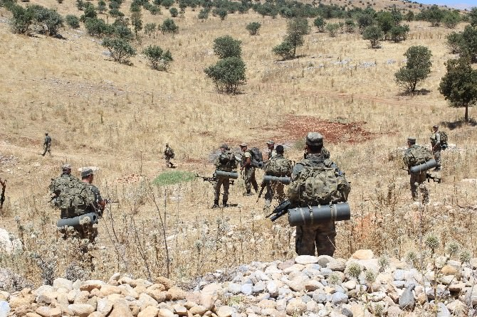 Adıyaman'da PKK'lılar Jandarmaya Ateş Açtı