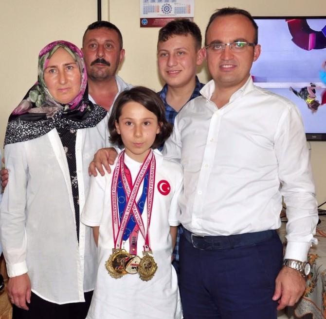 Milletvekili Bülent Turan Şampiyonu Evinde Ziyaret Etti