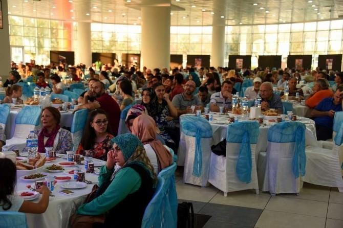 Aliağa Belediyesi Ramazan Ayında 42 Bin Kişiye İftar Verdi