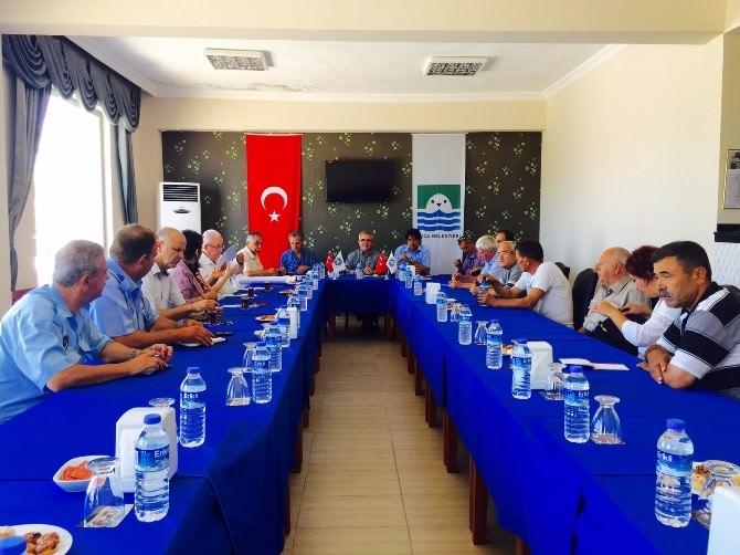 Foça'ya Fidanlar İzmir Büyükşehir Belediyesi'nden