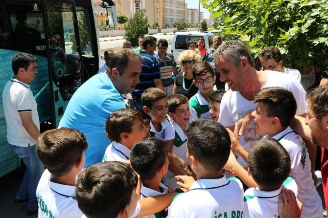 Büyükşehirin Minikleri Kıbrıs'a Uğurlandı