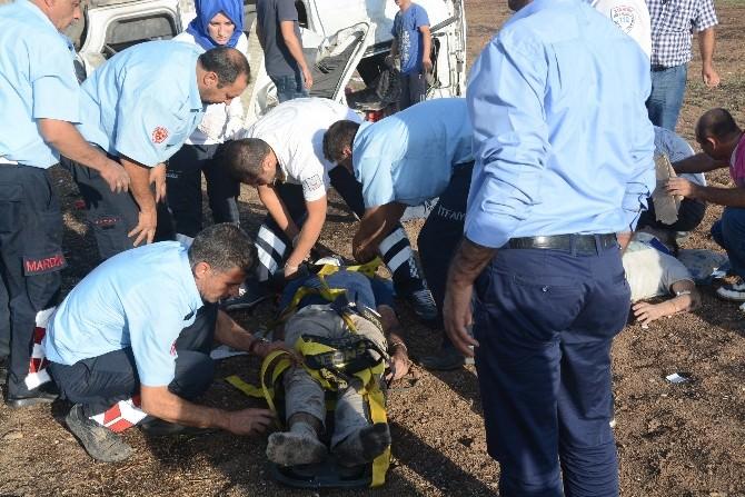 Nusaybin'de Iraklıları Taşıyan Minibüs Devrildi: 12 Yaralı
