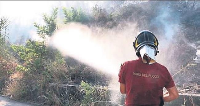 İtalya'da sıcakta 160 yangın çıktı