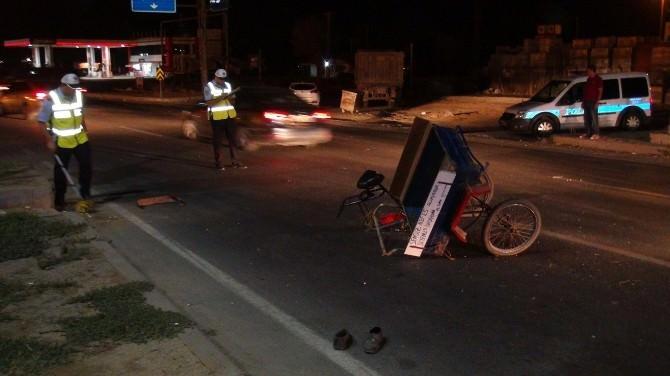 Özel Otomobil Üçtekerlikli Arabaya Çarptı 1:ölü