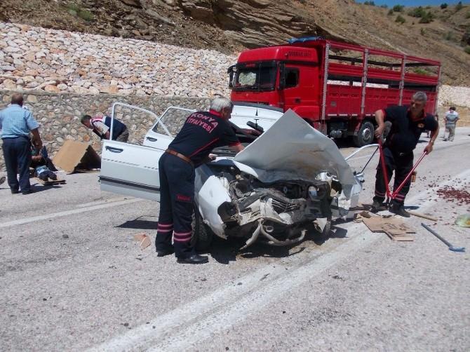 Konya'da Kamyonla Otomobil Çarpıştı: 3 Ölü, 3 Yaralı