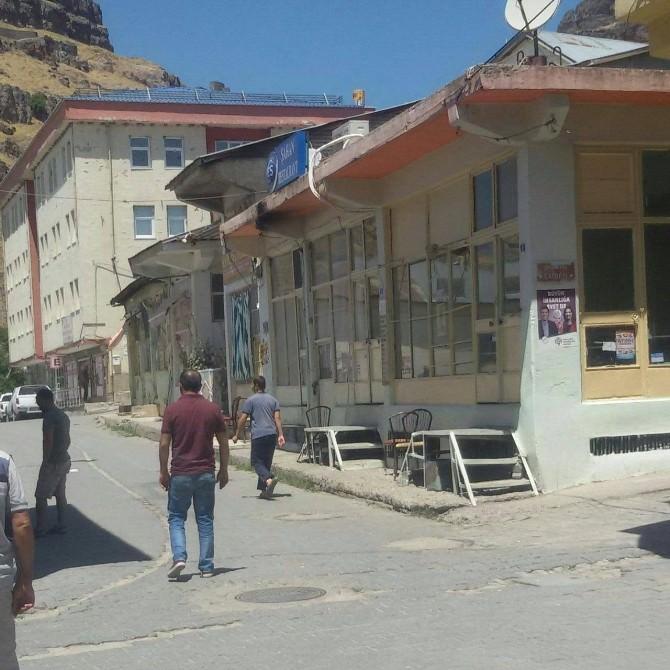 Mazgirt'de Esnaf Kepenk Kapattı