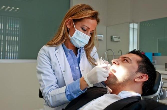 Sağlıklı Dişler İçin Diş Taşı Temizliği