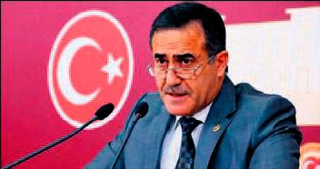 CHP'li Özkes istifa etti