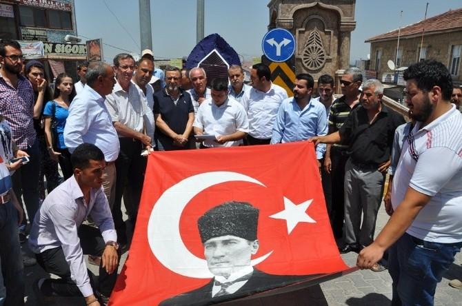 Reyhanlı CHP Gençlik Kollarından Suruç Tepkisi