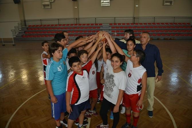 Çiğli'de Yaz Spor Okulları Heyecanı