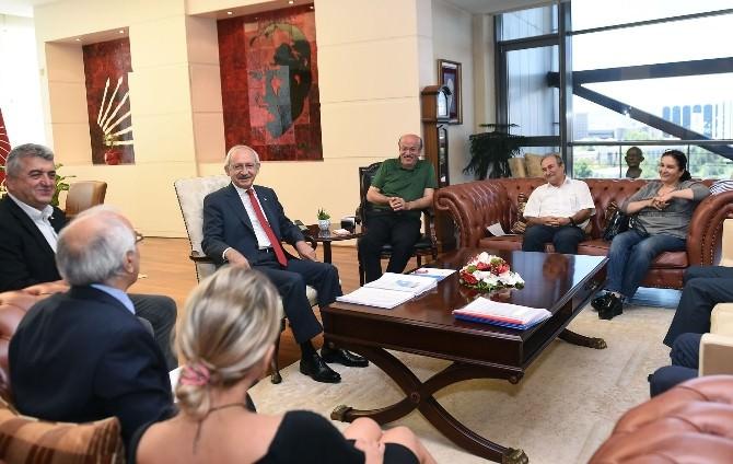 CHP Genel Başkanı Kılıçdaroğlu, İHD Yönetimini Kabul Etti