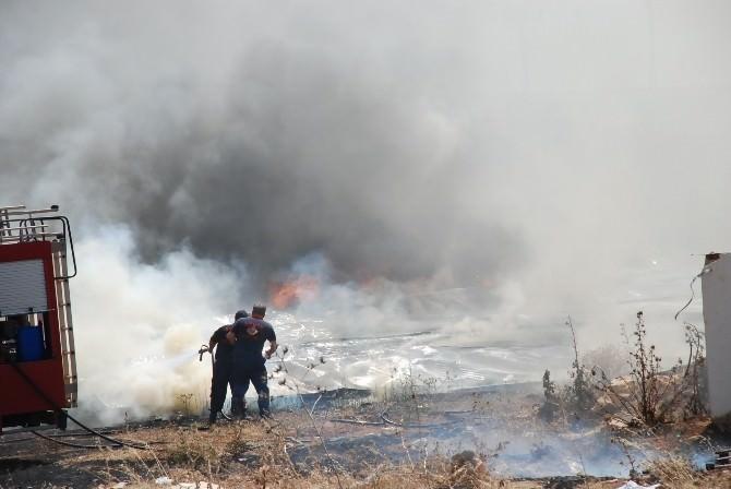 Didim'de Sanayi Sitesinde Çıkan Yangın Korkuttu