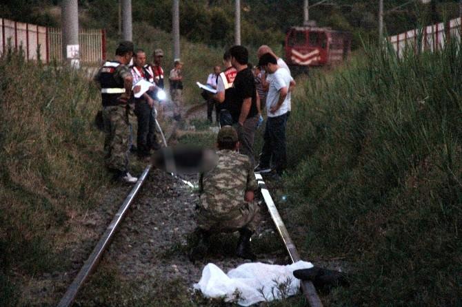 Savaştan Kaçan Kadın Ve Yeğeni Trenin Altında Can Verdi