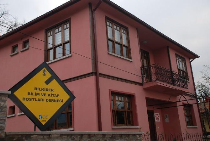 İzmit Belediyesi'nden Kütüphane Açıklaması