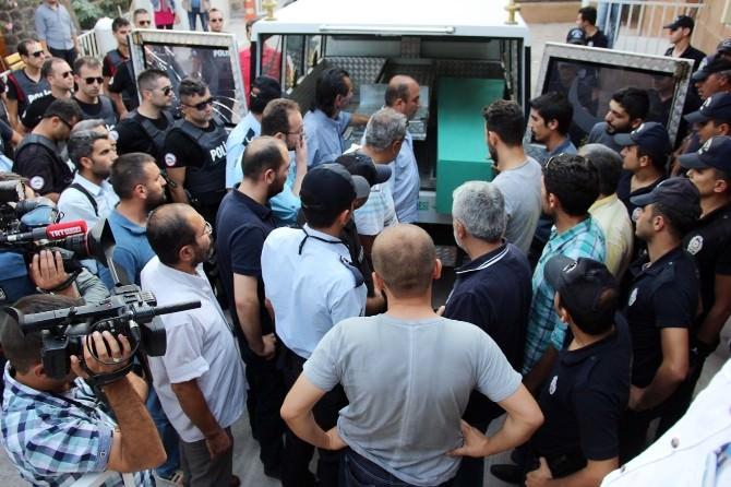 Şehit 2 Polisin Cenazesi Şanlıurfa Adli Tıp Kurumuna Getirildi