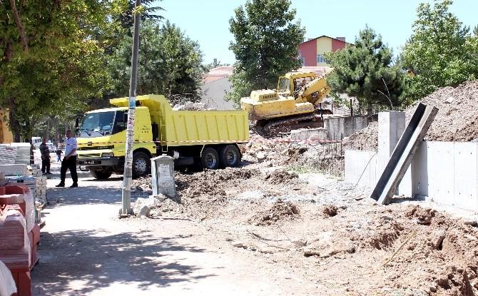 Yozgat'ta Cadde Genişletme Çalışmaları Sürüyor