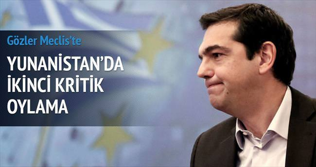 Yunanistan'da ikinci kritik oylama