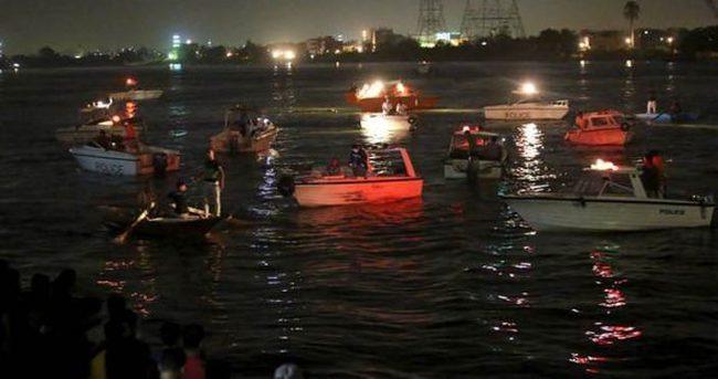 Nil Nehri'nde yolcu gemisiyle yük gemisi çarpıştı: 15 ölü