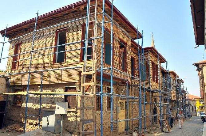Akşehir'de Değirmen Sokağın Tarihi Dokusu Yenileniyor