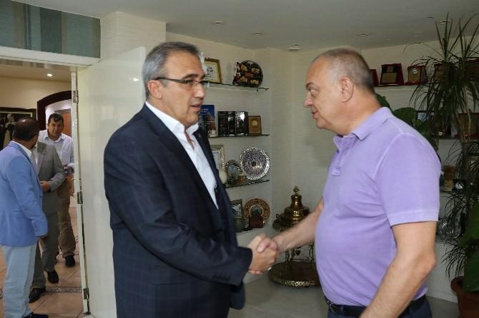 Alaşehir'e Hizmet İçin Görüş Alışverişi