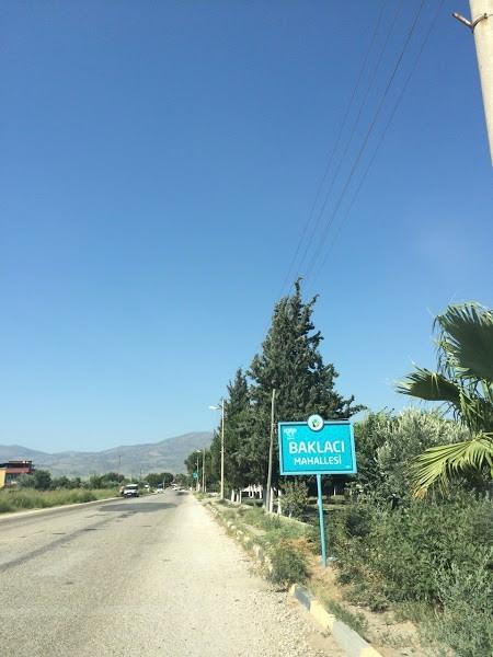 Alaşehir'de Mahalleye Dönen Köy Tabelaları Yenileniyor