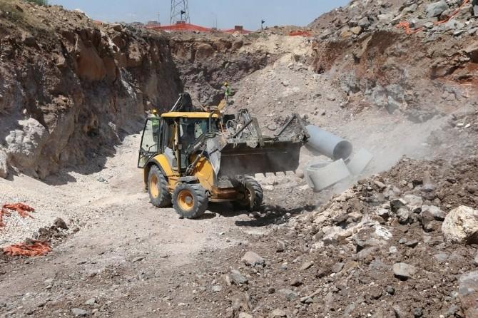 Büyükşehir, Mavikent'te Altyapı Çalışmalarını Tamamlıyor