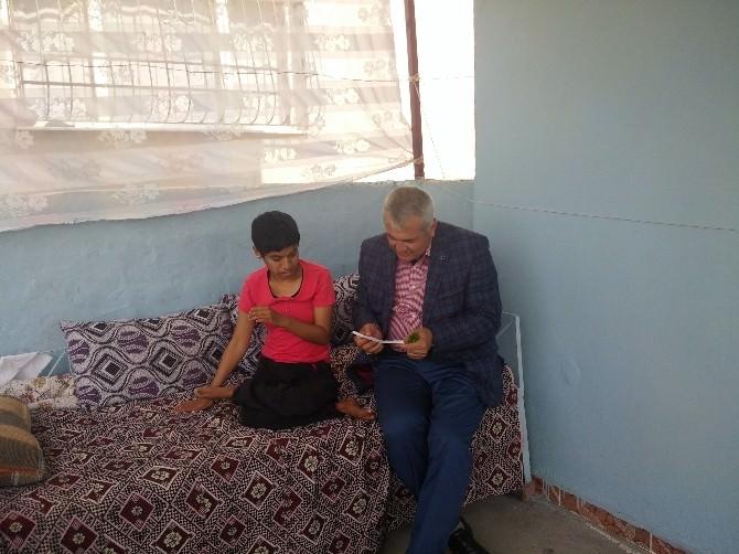 Başkan Toksoy'dan Fatma'ya Tekerlekli Sandalye