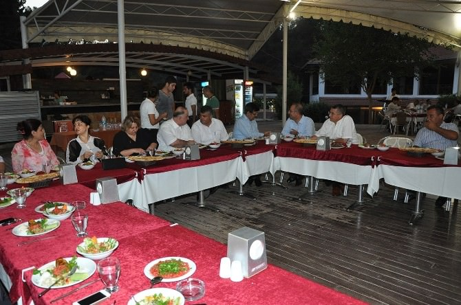 Yüzbaşı Sadık Tatar'a Veda Yemeği