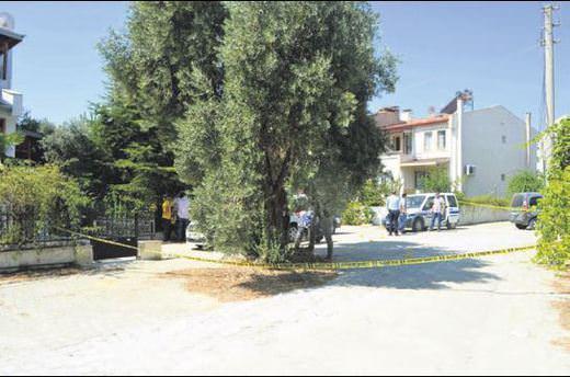 Polislere bıçakla saldırdı vurularak öldürüldü