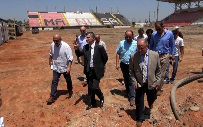 Vali Bektaş 19 Mayıs Stadyumu'nda İncelemelerde Bulundu