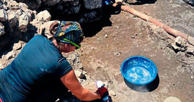 2 bin 200 yıllık ticaret binası bulundu