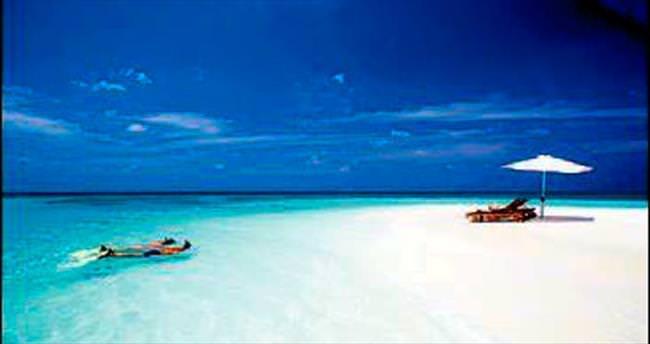 1 milyar dolar verene Maldivler'de ada