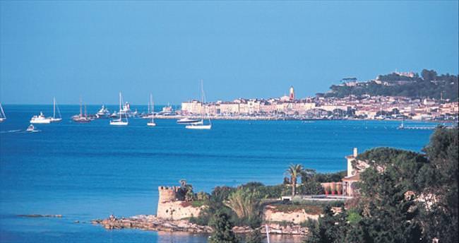 Provence-Alpes-Cote d'Azur ya da kısaca Paca
