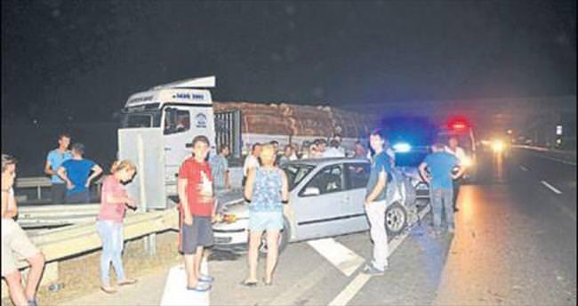 Kazayı izlerken otobüs çarptı