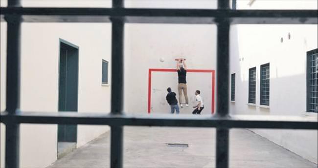 Çocuk mahkum için özel proje