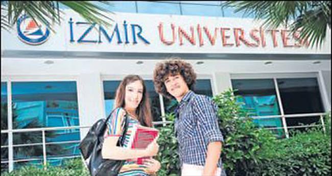 Üniversite adayları İZÜ'yü tercih etti