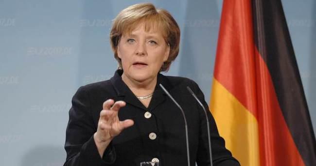 Merkel başsağlığı diledi!