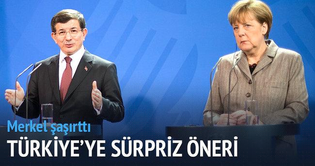Merkel'den 'teröre karşı işbirliği' önerisi