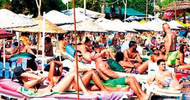 İzmirliler hafta sonu sahillere akın etti