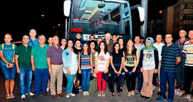 Başarılı öğrencileri Bosna'ya gönderdi