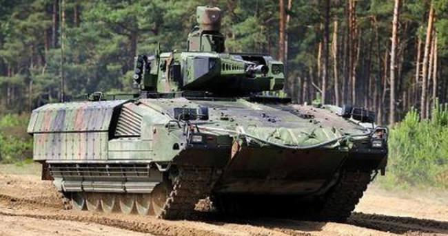Alman Savunma Bakanlığında milyarlık hesap yanlışlığı