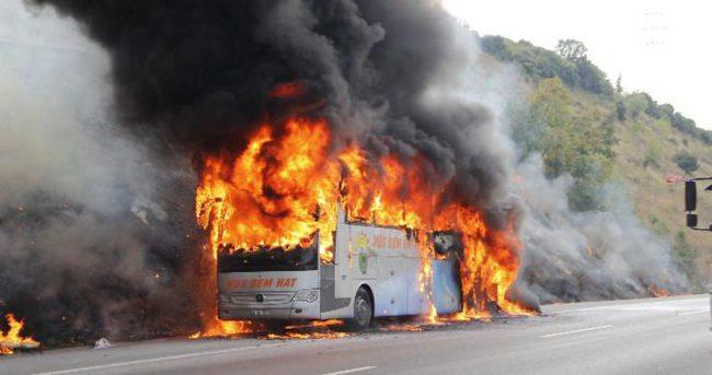 Otobüs alev alev yandı!