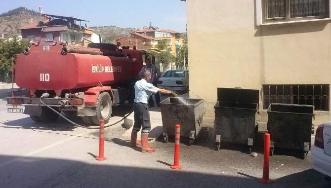 İskilip'te Çöp Konteynerları Yıkandıyor