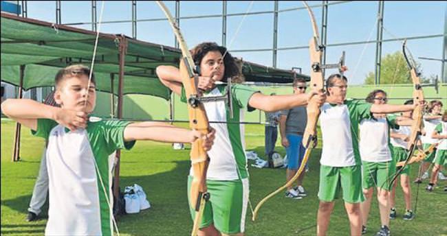 Konyaaltı Belediyesi'nden Olimpik Okçuluk kursu