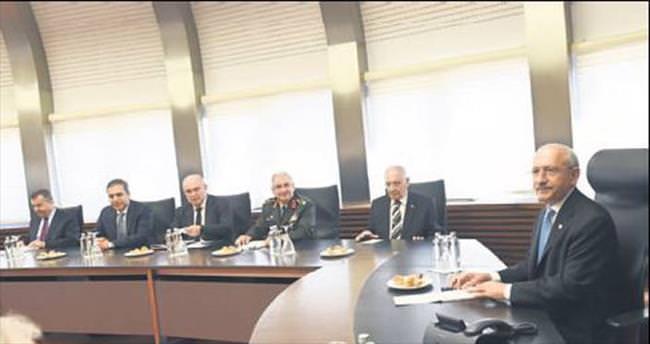 Bilgilendirme heyeti CHP ve MHP'ye gitti