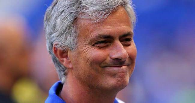 Mourinho, Arsenal'e çattı!