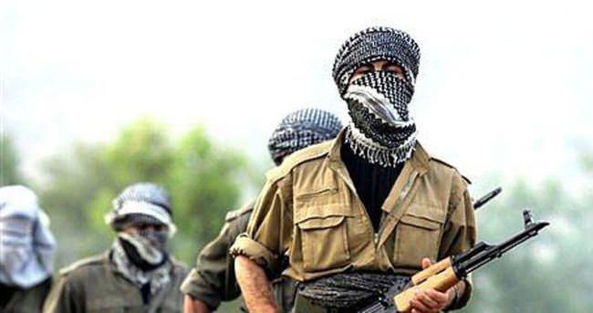 PKK'lılar araç yakıp askerlere ateş açtı